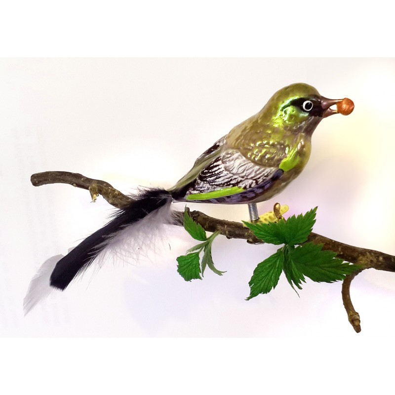 Greenfinch made of mouth-blown glass
